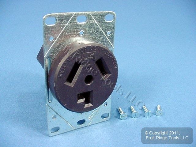 Cooper Flush Mount Dryer Outlet Receptacle 30A 125 250V