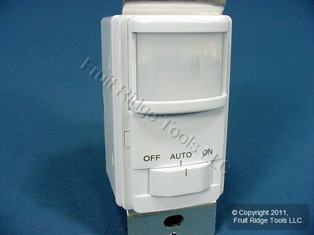 cooper white occupancy motion sensor wall light switch 6105w ebay. Black Bedroom Furniture Sets. Home Design Ideas