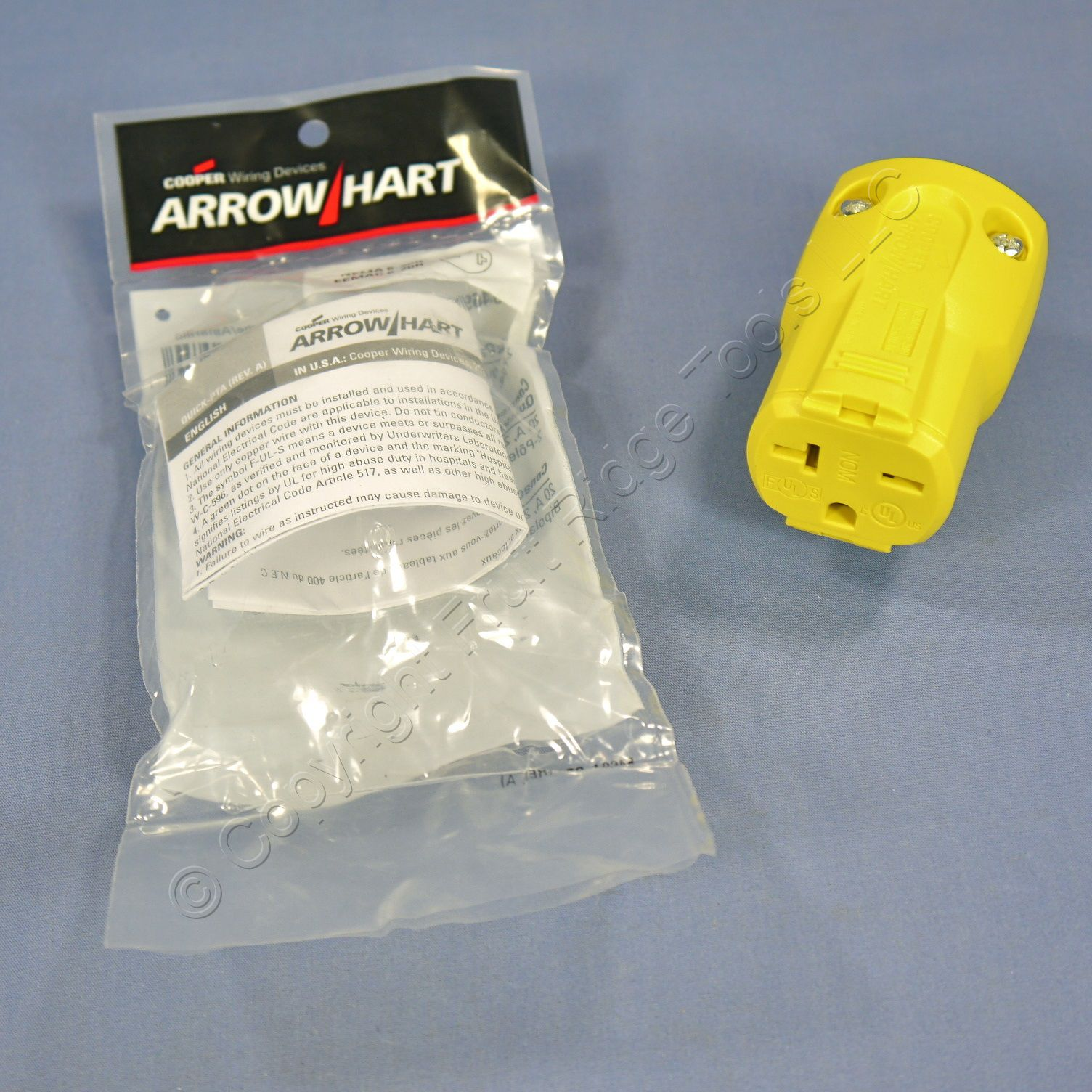 Cooper Arrow Hart Yellow QuickGrip Straight Blade Connector 2P3W NEMA 6-20 20A 250V AH5469Y