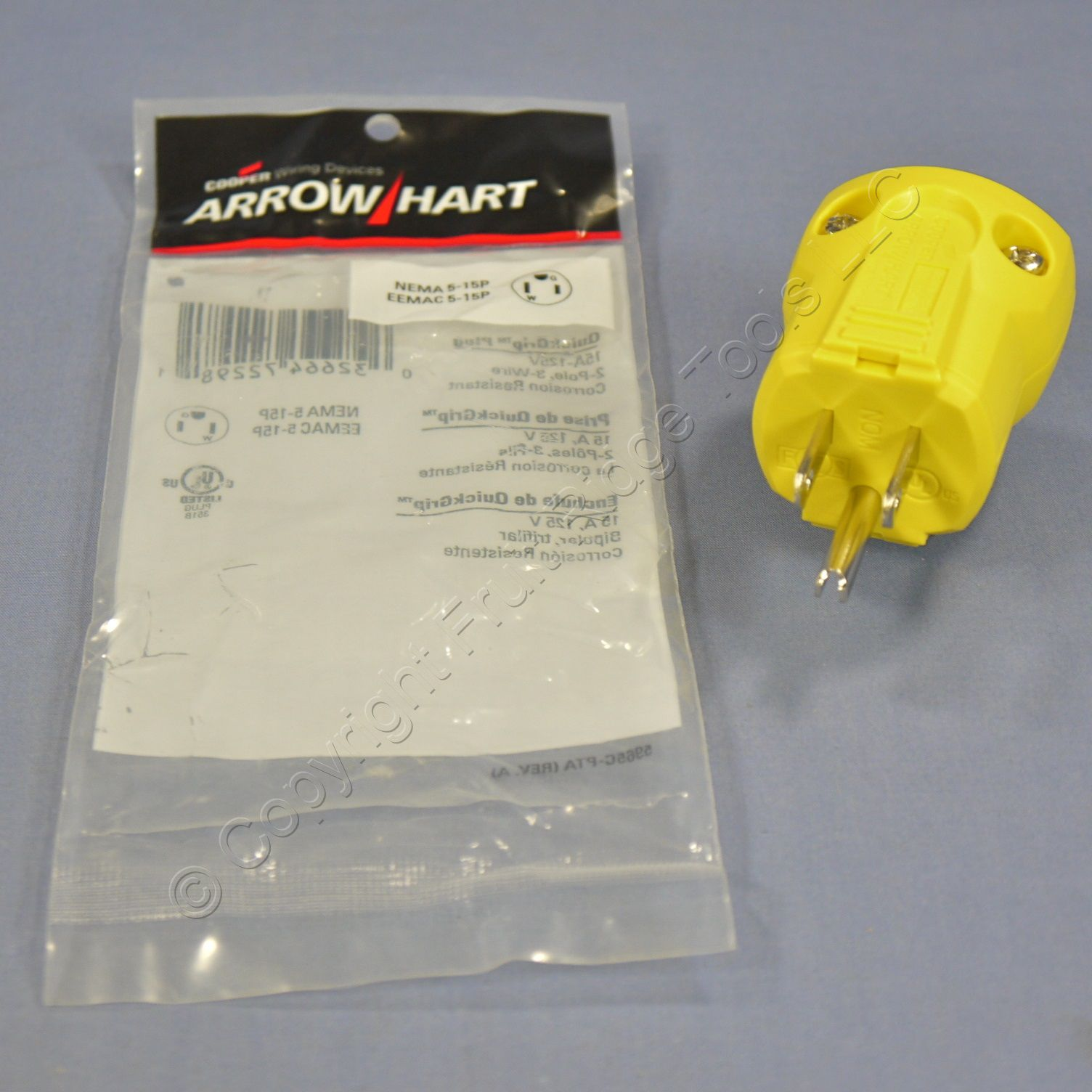 Cooper Arrow Hart Yellow Corrosion Resistant QuickGrip Plug 2P3W 15A-125V AH5965CR
