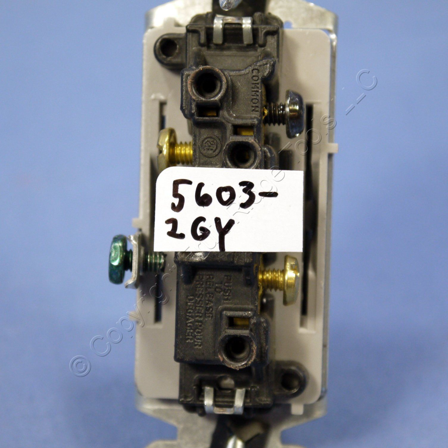 leviton 5603 2w wiring diagram wiring diagram leviton 5601 2w single pole decora switch 15a leviton 5603 wiring diagram