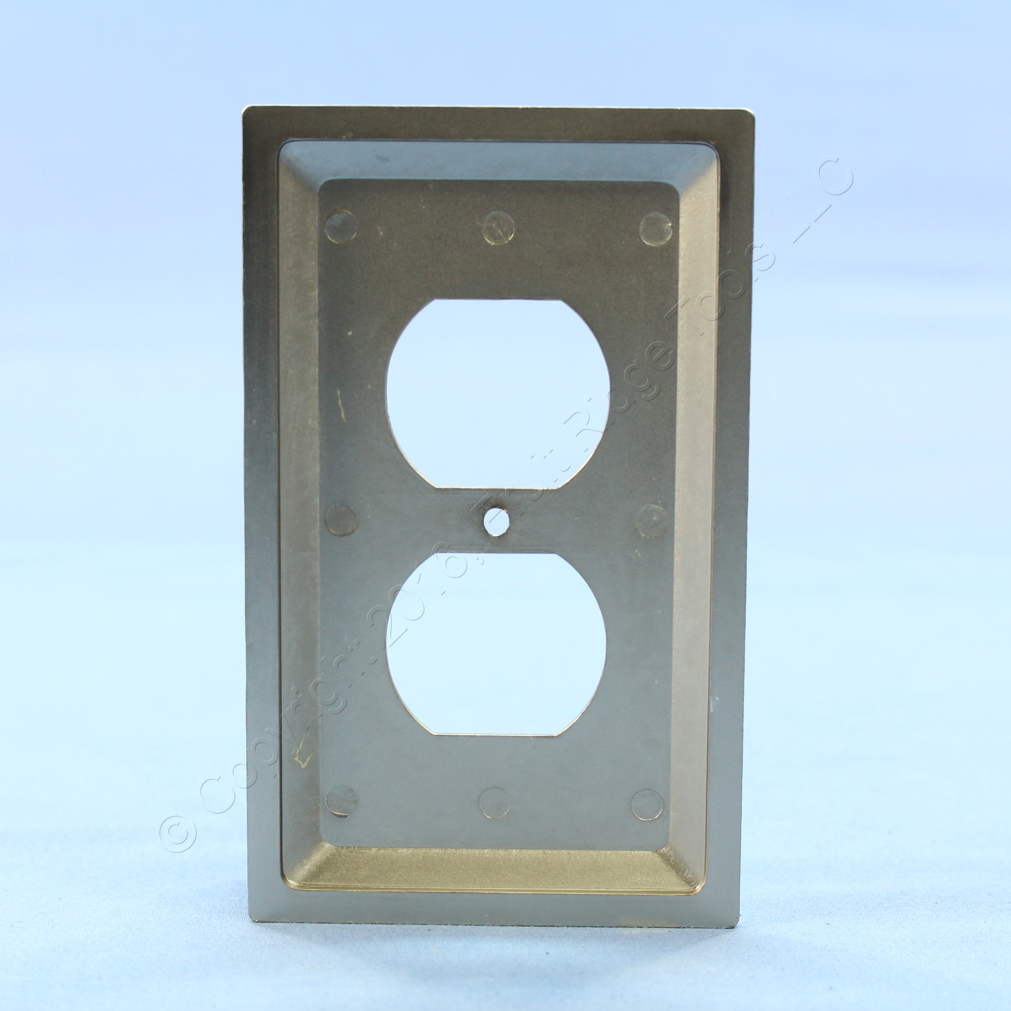 Leviton Satin Nickel Brushed Chrome Receptacle Wallplate Duplex Outlet Cover 89603-STC