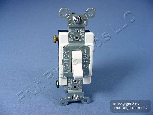 Leviton White 3-Way COMMERCIAL Toggle Wall Light Switch 20A CSB3-2WS